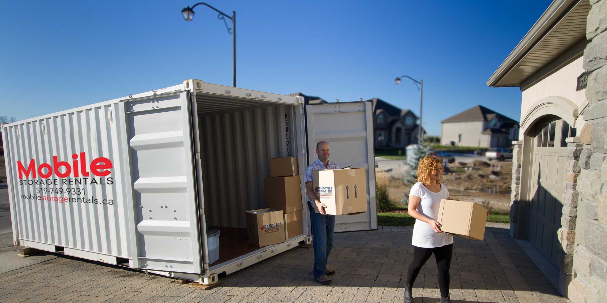 Using a mobile storage container for moving